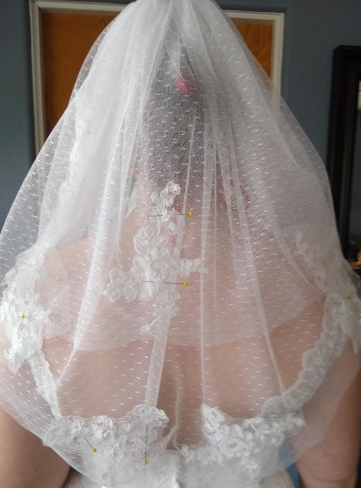applique placement on the veil
